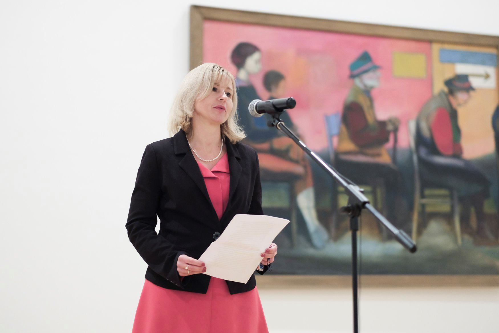 Kamilla Duda-Kawecka, consul of Republic of Poland in Ljubljana, reading a letter by the ambassador Krzysztof Olendzki